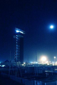 夜のマリンタワー.jpg